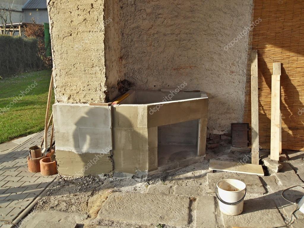 야외 벽난로 구축 — 스톡 사진 © rades #51521745
