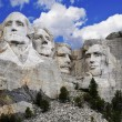 Mt. Rushmore National Memorial Park in South Dakota with bright blue sky in background. — 图库照片 #51077081