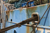 Ropes and rust detail of ship — Stock Photo
