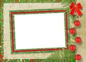 Krásná karta pro blahopřání nebo pozvání s červenou mašli
