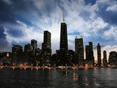 Meraviglioso skyline di chicago al tramonto