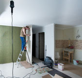 Finishing of walls. repair of the city apartment