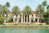 Luxusní sídlo na hvězdný ostrov v miami