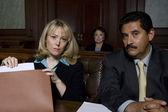 Tárgyalóteremben ügyvédek