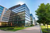 Modern irodaházak Budapesten a sikátorban