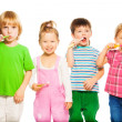Постер, плакат: Kids brushing teeth