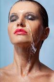 Tvář žena ve vodě