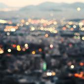 Město v noci, bokeh pozadí