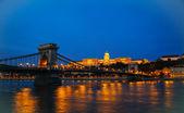 Szechenyi visutý most v Budapešti, Maďarsko
