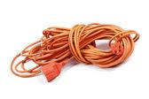 Elektrický prodlužovací kabely izolované na bílém pozadí