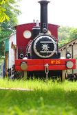 Parní stroj stojí v železniční muzeum