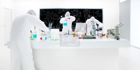 Постер, плакат: Scientists laboratory experiment, холст на подрамнике