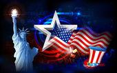 Freiheitsstatue mit amerikanische Flagge