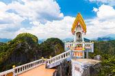 Stopa Buddhy tample - krabi tygří jeskyně - wat tham sua