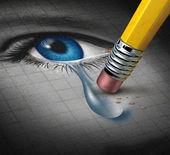 Depressione sollievo e conquistando avversità mentale con una gomma da matita rimuovendo una lacrima cadere da una stretta fino di un volto umano e locchio come un concetto di supporto emotivo e terapia