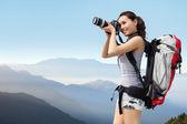 žena mountain hiker fotografování