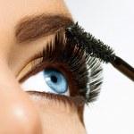 Постер, плакат: Mascara Applying Long Lashes closeup