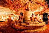 Sochy Buddhy v Jeskynní chrám dambulla