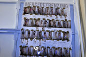 Miami - Juli: Modelle Lineup Blatt hinter den Kulissen der Agua Bendita schwimmen Kollektion für Frühjahr-Sommer 2013 während der Mercedes-Benz schwimmen Fashion Week am 20. Juli 2012 in Miami