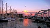 Sonnenuntergang am Hafen. Hafen von Barcelona