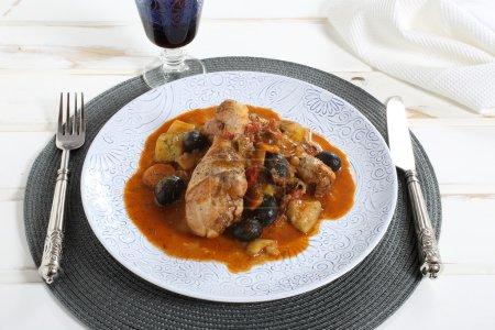 Постер, плакат: Delicious meals chicken in tomato sauce with vegetables, холст на подрамнике