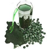 řasy Spirulina prášek sklo nápoj