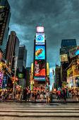Náměstí Times square v noci - new york, usa