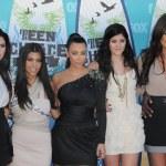 Постер, плакат: Kendall Jenner Kourtney Kardashian Kim Kardashian Kylie Jenner Khloe Kardashian