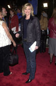 Courtney thorne-smith presso il joe somebody premiere, Teatro del villaggio di mann, westwood, 19/12/01