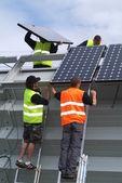 Solární panely implantát na jižní Švýcarsko