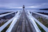 Port clyde - marshall bod maják při západu slunce, maine, usa