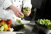 Chef-Salat vorbereiten
