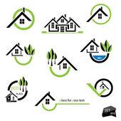 Házak ikonok az ingatlanhasznosítás fehér háttér