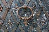 Staré dveře kované detaily