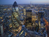 A londoni City Skyline naplementekor