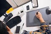 Grafik-Designer arbeiten im Büro