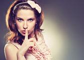 Szép nő, a csend jele