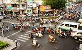 Přenos pomocí motorku, nebezpečné situaci, Viet nam