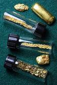 Zlatý pruh a přírodní zlaté nugety