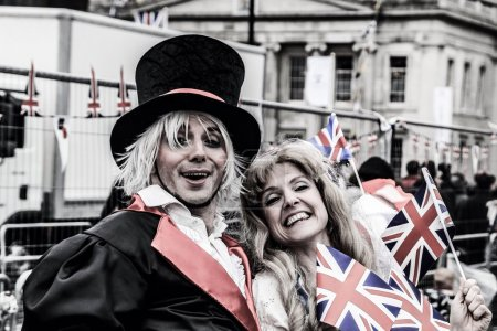 Постер, плакат: HM Queen Elizabeth the Second Diamond Jubilee Celebrations The flotilla Street entertainers , холст на подрамнике