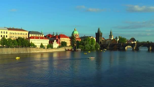 Vltavy a Karlův most v Praze