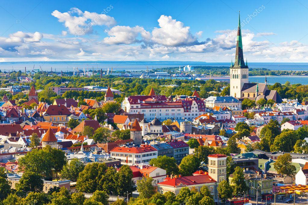 Фотообои Aerial panorama of Tallinn, Estonia