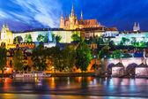 noční scenérie z Prahy, Česká republika