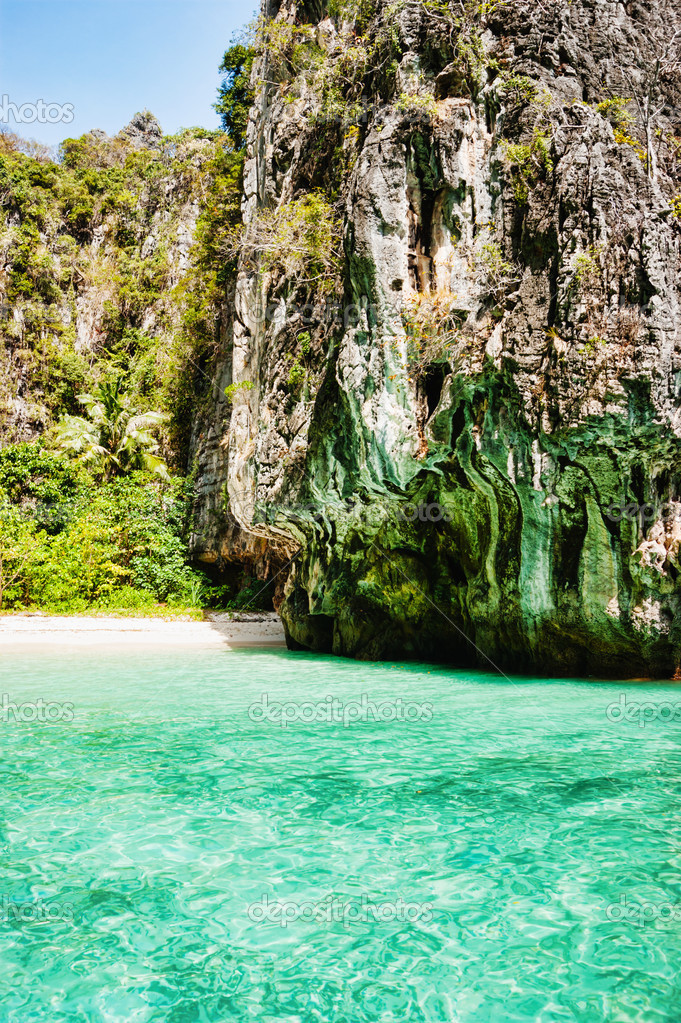 Maya bay of Phi-Phi island,Thailand