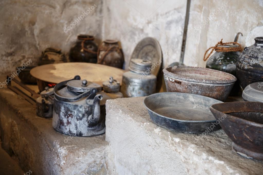 vecchi utensili da cucina — Foto Stock © Observer #36761321
