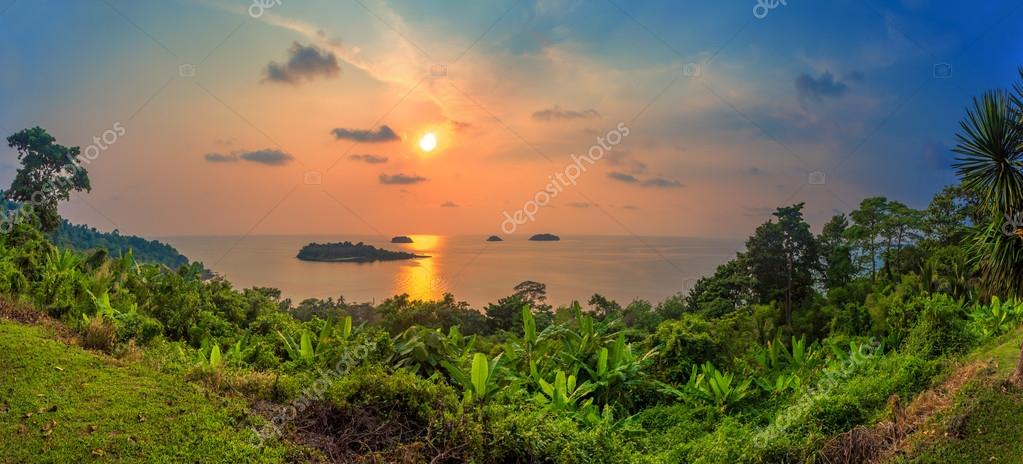islands in the sunset, panorama