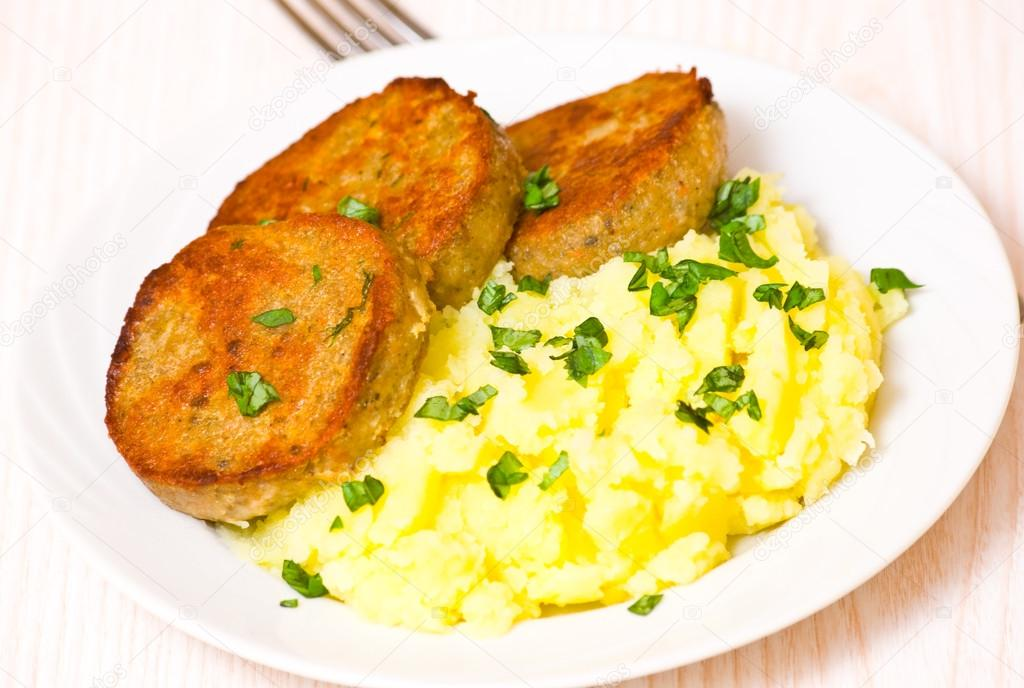 пюре картофельное с котлетой фото