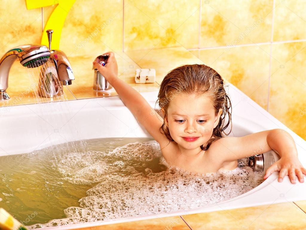 как моються девочки в душе показать прокладки коммуникаций бестраншейным