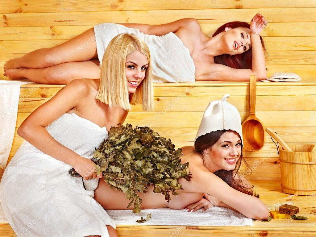 Видео приколы с девушками в бане — img 12