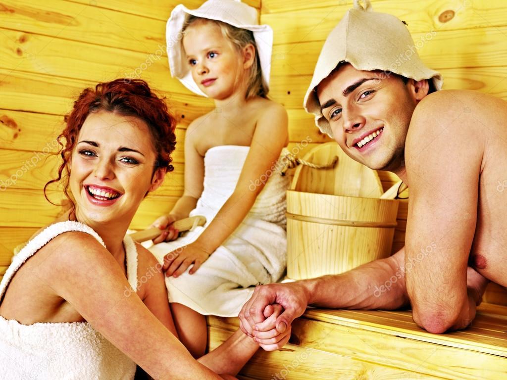 отдых в бане семьями фото над дырочками
